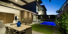 World of architecture: Contemporary Higham Road Home in Melbourne, Australia | #worldofarchi #architecture #modern #house #home #contemporary #terrace #backyard