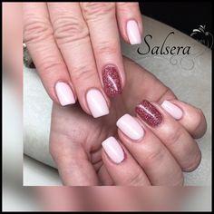 Nails, Nägel, Nageldesign, Fullcover, Rosé, Glitzer, Squarenails, Salsera Nails & Lashes, Frankfurt am Main  I Love my Job!   www.salsera-nails.de