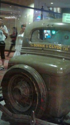 Bonnie & Clyde car whiskey petes