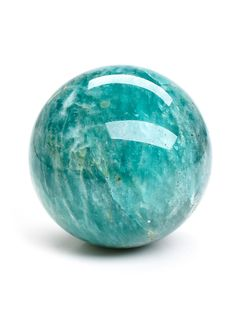 Rock brooches or label are rings or necklaces that might be fixed to the clothing, and could be adorned to brighten shirts or accessories. Minerals And Gemstones, Crystals Minerals, Rocks And Minerals, Stones And Crystals, Crystal Magic, Crystal Ball, Pierre Turquoise, Decorative Spheres, Gemstone Properties
