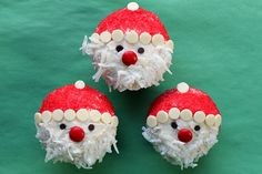 Easy Santa Claus cupcakes. Kids will enjoy assembling them too.