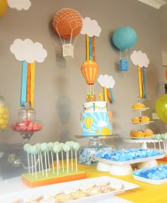Hot Air Baloon Cake Baby Balloon, Baby Shower Balloons, Birthday Balloons, 1st Birthday Decorations, 1st Birthday Parties, Boy Baby Shower Themes, Baby Boy Shower, Baby Boy Birthday, Birthday Cake