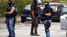 La Police officers poursuit les recherches d'éventuels complices à Saint-Etienne-du-Rouvray