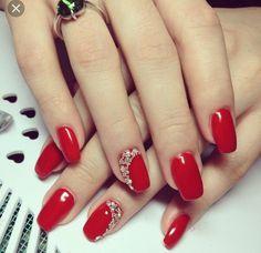 Make an original manicure for Valentine's Day - My Nails Red Nail Art, Red Acrylic Nails, Acrylic Nail Designs, Gel Nails, Elegant Nails, Classy Nails, Stylish Nails, Dark Pink Nails, Silver Nails