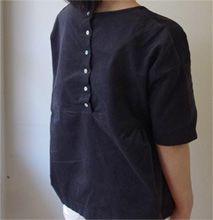 CHECK&STRIPE スタッフの着こなしHandmade Item 『CHECK&STRIPE てづくりでボンボヤージュ』(集英社)より、あじさいのワンピースをC&Sフレンチコーデュロイの木いちごでアレンジ展のレシピ Sサイズで作りました。袖を5cmのばしています。パンツは同じ本のシンプルパンツです。 用尺…ブラウス 105cm幅×1.5m、パンツ C&Sコットントゥジュー ホワイト 2.1m  Comment あじさいのワンピースをアレンジ展のレシピで作りました。袖をのばし、生地をフレンチコーデュロイにしたので、秋も楽しめそうです