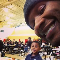 In March 2014, Usher adorably visited his son Cinco during lunchtime at his school.