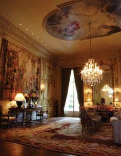 The remarkable residence of Kelly and Norm Green in Dallas, Texas. It is truly a Francophile's dream!