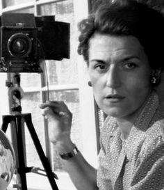 Annemarie Heinrich Argentine photographer, specialized in portraits & nudity. Frozen In Time, Vintage Cameras, First World, World War, German, Cinema, Portraits, Culture, Studio