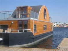 "I would gladly give up most of my ""stuff"" to live on a houseboat!"