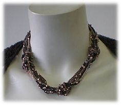 Merrible_necklace