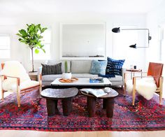 Home+Tour:+A+Hip+Couple's+Fresh+California+Bungalow+via+@MyDomaine