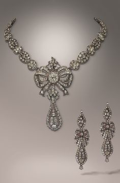 An antique silver and chrysoberyl demi-parure, Portugal, late 18th century. Comprising a necklace and earrings.