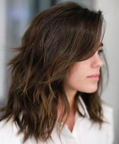 Most Popular Medium Shaggy Hairstyles with Side Swept Bangs for Women
