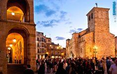 Plaza Mayor de Zamora (ZAMORA, Spain)    www.eszamora.com    y síguenos en FACEBOOK en www.facebook.com/esZAMORAcom