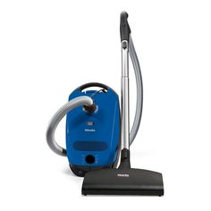 How To Choose The Right Miele Vacuum For Your Needs? >> Miele is a well renowned brand in the appliance industry. Miele has been making quality appliances for over 100 yrs. Car Vacuum, Best Vacuum, Handheld Vacuum, Best Canister Vacuum, Miele Vacuum, Vacuum Reviews, Steam Cleaners, Vacuum Cleaners