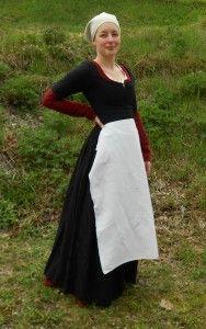 svart Cotehardie