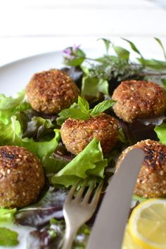 Falafel courgette sarazin les recettes de juliette Easy Cooking, Cooking Recipes, Falafels, Vegetarian Recipes, Healthy Recipes, Veggie Dinner, Food Crush, Home Food, Savory Snacks