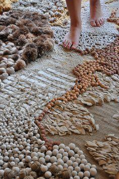 Fiber Rugs by Frédérique Breuillé Textile Texture, Textile Fiber Art, Textile Fabrics, Textile Artists, Diy Carpet, Rugs On Carpet, Stair Carpet, Sculpture Textile, Frederique