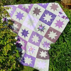Happy Quilting: Sparkly Stars Quilt and Tutorial Jelly Roll Quilt Patterns, Beginner Quilt Patterns, Applique Quilt Patterns, Quilting Templates, Quilting For Beginners, Quilting Tutorials, Quilting Projects, Quilting Designs, Block Patterns