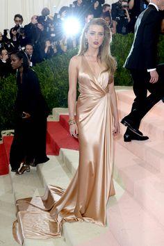 Taylor Swift, Anna Wintour, Kim Kardashian, Gigi Hadid... protagonistas junto a la unión de moda y tecnología de la Met Gala 2016.