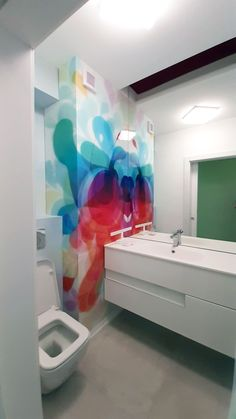 bathroom design with abstract printed glass Contemporary Bathroom Designs, Abstract Print, Design Projects, Budget, Interior Design, Printed, Medium, Glass, Nest Design