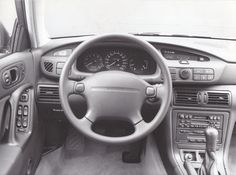 Xedos 9 dashboard, by Mazda (Sept. 1983)