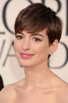 Short Hair Cuts With Side Bangs To Keep Your Look Younger | Khicho.