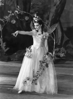 Vivien Leigh as Titania in A Midsummer Night's Dream. Old Vic London. Bronte loves Shakespeare and Vivien Leigh. Vintage Hollywood, Hollywood Glamour, Classic Hollywood, Hollywood Fashion, Vivien Leigh, Divas, Tv Star, Actrices Hollywood, Midsummer Nights Dream