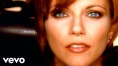"Martina McBride ""A Broken Wing"" #countrymusicnetwork #countrymusicuniverse #martinamcbride"