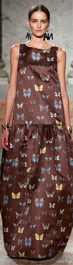 47 Ideas Fashion Week Party Ideas Spring 2016 For 2019 Only Fashion, Trendy Fashion, Fashion Show, Womens Fashion, Fashion Design, Brown Fashion, Butterfly Dress, Butterfly Fashion, Butterfly Kisses