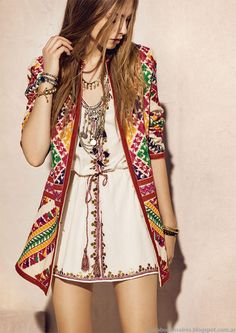chic bohemian boho style hippy hippie chic bohème vibe gypsy fashion indie folk the . ╰☆╮╰☆╮Boho chic bohemian boho style hippy hippie chic bohème vibe gypsy fashion indie folk the . Look Hippie Chic, Gypsy Style, Hippie Style, Hippie Boho, Bohemian Style, Boho Chic, Hippie Masa, 70s Hippie, Modern Hippie