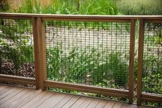 17 Awesome Hog Wire Fence Design Ideas For Your Backyard - how to build a fence Wire Deck Railing, Hog Wire Fence, Deer Fence, Metal Deck, Backyard Fences, Garden Fencing, Bungalow Landscaping, Short Fence, Low Fence