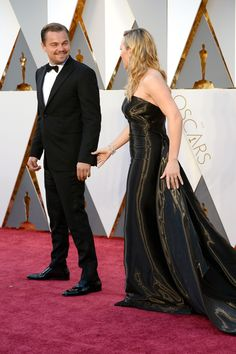 12 Photos of Leonardo DiCaprio and Kate Winslet Being Absurdly Adorable Together at the Oscars