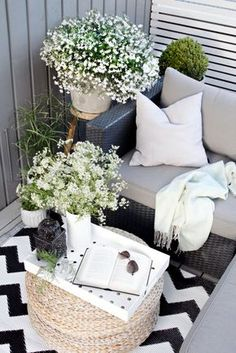 28 Small Balcony Design Ideas Small spaces can be fabulous as youll see in these tiny balcony garden spots with moods that range from city sophistication to pure Zen. The post 28 Small Balcony Design Ideas appeared first on Garden Diy. Small Balcony Design, Tiny Balcony, Small Balcony Decor, Small Outdoor Spaces, Small Patio, Balcony Ideas, Small Spaces, Outdoor Balcony, Small Balconies