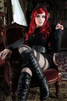 RedHair Gothic Look Steampunk Ds🌙➡ Goth Beauty, Dark Beauty, Dark Fashion, Gothic Fashion, Steam Punk, Steampunk Mode, Gothic Steampunk, Chica Dark, Mode Sombre