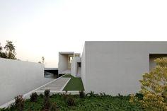 House RP | Valle Escondido, Lo Barnechea, Santiago, Chile | Marcelo Rios / Gonzalo Mardones Viviani | photo © Nico Saieh