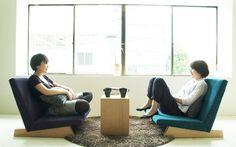 愛知県にあるFLANNEL SOFA(フランネルソファ)は日本人の生活に基づいたソファ作りで有名な国産ソファ会社です。画像のPENTAチェアはロータイプのソファで落ち着いた印象ですが、選ぶ生地によってお部屋のイメージをがらっと変えることができる素敵なアイテムなんですよ。色違いで揃えてもかわいいですよね。 Japanese Furniture, Floor Chair, Recliner, Lounge, Flooring, Interior, Home Decor, Chair, Airport Lounge
