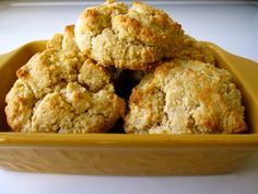 Organic Almond Flour Biscuit Recipe - Whole Lifestyle Nutrition Almond Flour Biscuits, Almond Flour Recipes, Oat Flour, Almond Meal, Gluten Free Cakes, Gluten Free Baking, Paleo Baking, Drop Biscuits, Cookies Et Biscuits