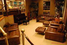 Graceland Raquetball Building Comfort Zone