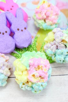 My Incredible Recipes – Discover Delicious Colored Popcorn, Easter Recipes, Holiday Recipes, Dessert Recipes, Gf Recipes, Marshmallow Popcorn, Candy Boxes, Rice Krispie Treats, Rice Krispies