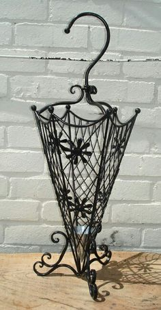 Metal Projects, Metal Crafts, Cute Umbrellas, Umbrella Holder, Umbrella Stands, Wrought Iron Decor, Steel Art, Iron Furniture, Iron Work
