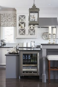 gray and white sarah richardson kitchen. Oh Sarah Richardson, how I love you! Elegant Kitchens, Beautiful Kitchens, Colorful Kitchens, Contemporary Kitchens, Home Design, Design Ideas, Design Trends, Bar Designs, Floor Design
