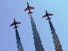 Today we remember Flt Lt Jon Egging who died four years ago when his Red Arrow aircraft crashed on its way to Bournemouth Airport. If you are coming to the Air Festival please join in and tie a ribbon on the memorial on the clifftop to create a colourful tribute to the pilot.