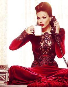 """@Kimberly Peterson Peterson Barton > So Lana Turner! Regina, the Evil Queen, in ABC's series: """"Once Upon a Time"""""""