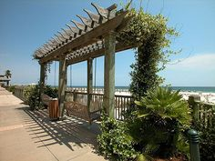 Yes, I want to stay here at the gorgeous Beach Club in Fort Morgan (Gulf Shores), Alabama!