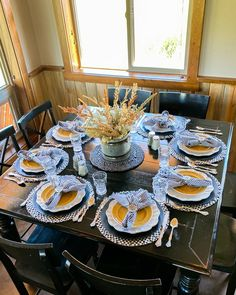 Are you looking for Fall tablescapes ideas? I have 10 Fall themed Tablscapes ideas for you. These simple Fall tablescapes are what you need. I have fall tablescapes that fit everyone's styles, from farmhouse to elegant Thanksgiving tablescapes that are elegant. If you want more Fall inspiration, visit Home with Holly J. Thanksgiving Table Settings, Thanksgiving Centerpieces, Holiday Tables, Autumn Centerpieces, Dining Room Centerpiece, Autumn Theme, Fall Home Decor, Table Decorations, Decorative Trays