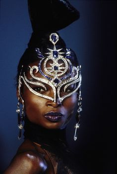 Debra Shaw for Thierry Mugler's 1999-2000 FW Haute Couture Show
