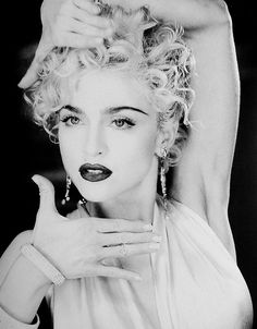 Love Madonna…all eras…all personalities…love her Vogue era the best. 😉 Love Madonna…all eras…all personalities…love her Vogue era the best. Madonna Vogue, Madonna Photos, Lady Madonna, Madonna Young, Lady Gaga, Black And White Picture, Mtv, Vogue Poses, Rihanna