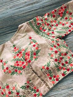 See related links to what you are looking for. Sari Blouse Designs, Fancy Blouse Designs, Blouse Patterns, Blouse Styles, Embroidery Dress, Embroidered Blouse, Embroidery Patterns, Work Blouse, Fashion Design