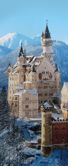 the most beautiful castle of all times: Castle Neuschwanstein in Germany/Bavaria Places Around The World, Oh The Places You'll Go, Places To Travel, Places To Visit, Around The Worlds, Beautiful Castles, Beautiful Buildings, Beautiful Places, Amazing Places